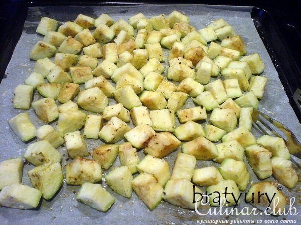 Как приготовить кабачки в духовке со сметаной