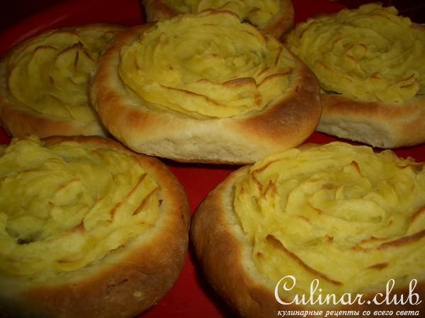 Ватрушки с картофелем из дрожжевого теста рецепт пошагово