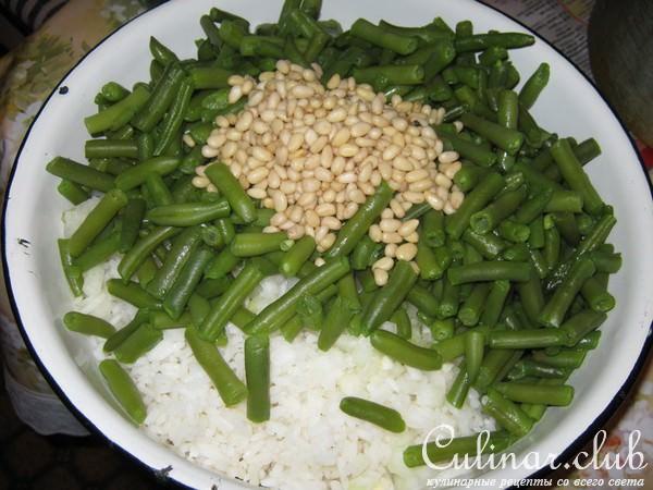 Салат из фасоли риса курицы