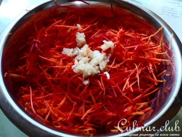 Салат со свеклой и морковкой по-корейски