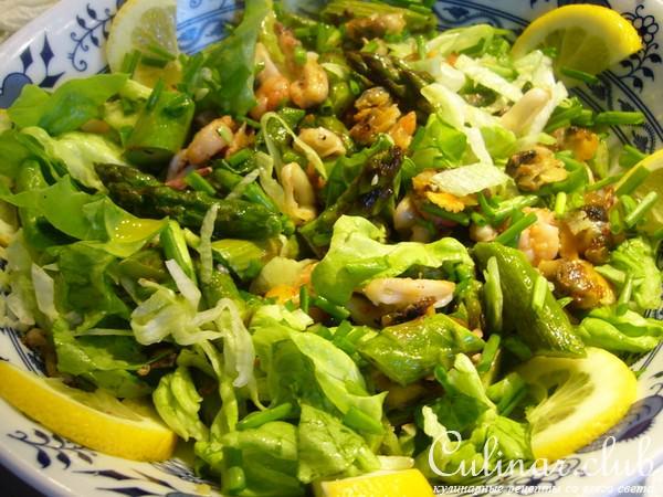 Как сделать из морского коктейля салат