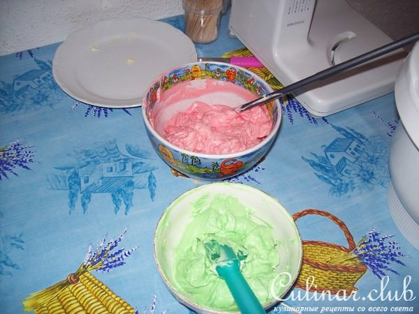 Чем покрасить крем для торта в домашних