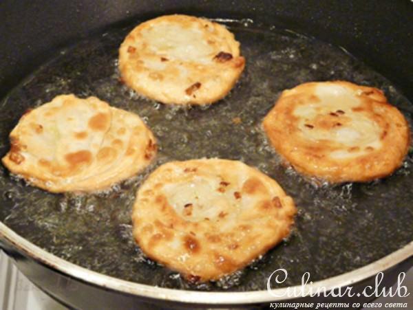 Узбекские лепешки с луком рецепт с фото